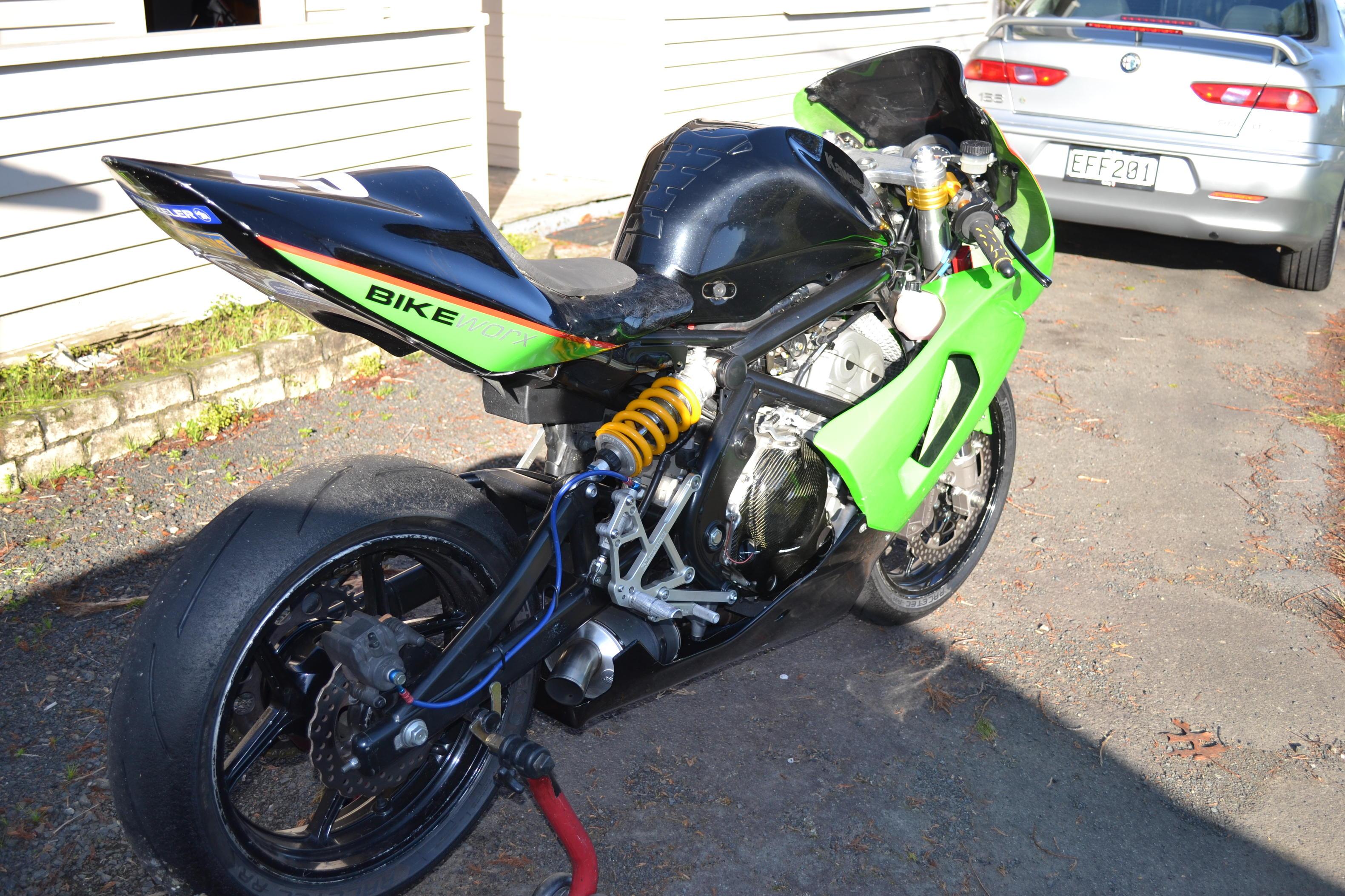 Kawasaki Er6 Superlightf3 Race Bike