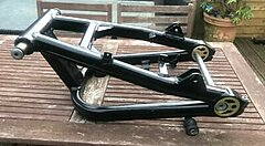 Click image for larger version.  Name:Kawasaki-ZRX-1200-Swingarm.jpg Views:16 Size:20.3 KB ID:342354