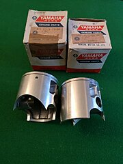 Click image for larger version.  Name:TZ750 Pistons.jpg Views:84 Size:201.0 KB ID:343053