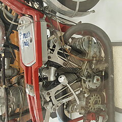 Click image for larger version.  Name:Burts 200 mile an hour Engine.jpg Views:75 Size:736.9 KB ID:341294